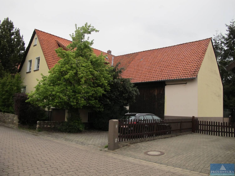 Frei Stehendes 1 Geschossiges Massives Haus Mit Ausgebautem Dachgeschoss Und Keller Als 2 Familienhaus Angebaute Scheune