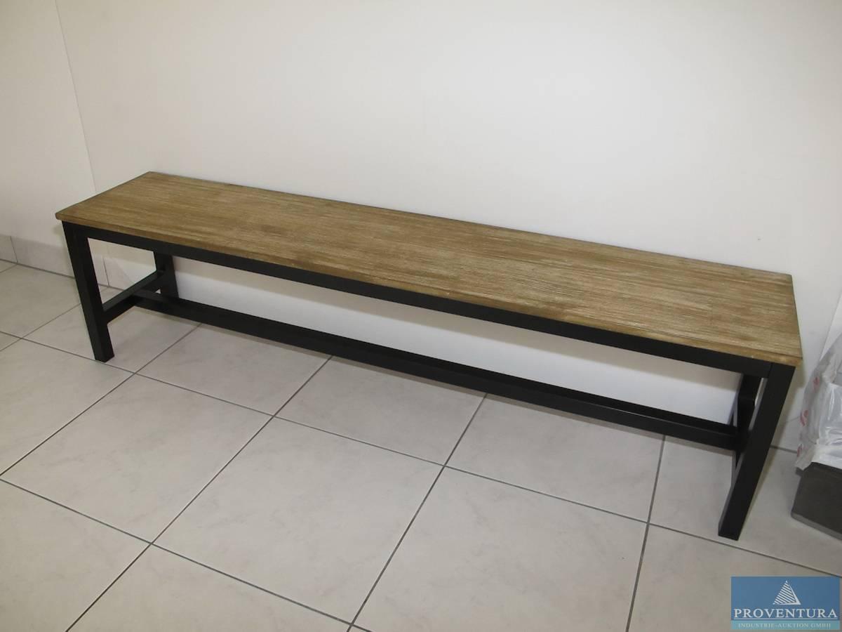 Umkleidebänke Stahl/Holz | Proventura Online-Auktion