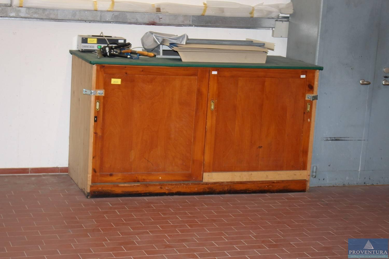 Holzschränke ohne Inhalte 2 St. | Proventura Online-Auktion